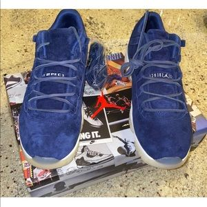 Nike Air Jordan 11 XI Retro Low Jeter Respect